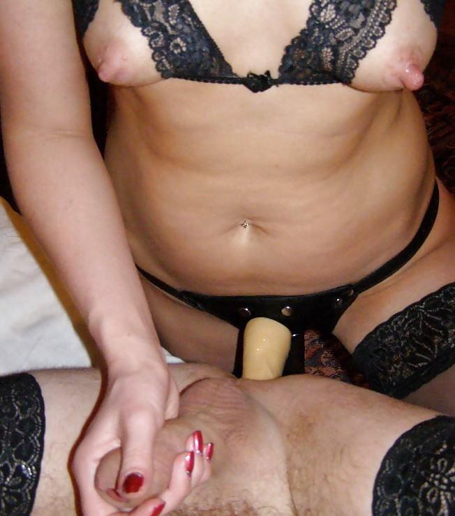 толстая жена ебет мужа страпоном - 10